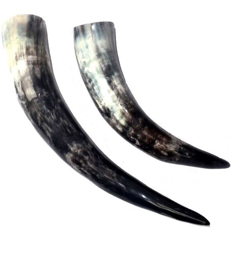 Drinking horn / methorn made of cow horn